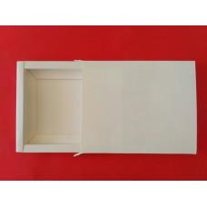 Коробка подарочная под шоколад,размер 192*155*15мм.