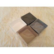 Коробка с пластиковой прозрачной крышкой для бижутерии,конфетти и т.п.Размером 70*70*30 мм.