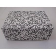 Картонная коробка на 6 капкейков,размер 240*180*90 стоимость 9,8 грн. Мелованный картон 280гр/м. Черная