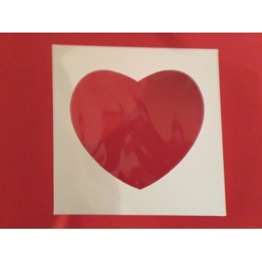 Коробка для пряника,конфет,бижутерии.Размер 200*200*35 мм.,с окошко-сердце