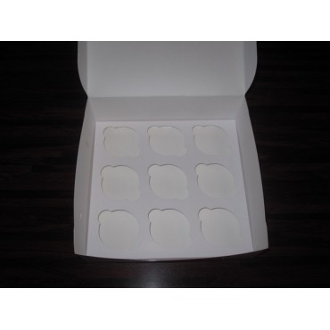 Картонная коробка на 9 капкейков