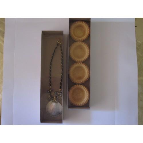 Картонная коробка (крафт) с прозрачной крышкой,размер 300*70*30,стоимостью 7,3 грн.